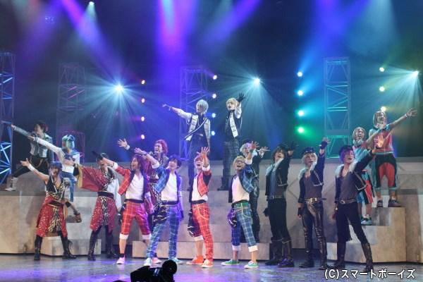 個性派ぞろいのキャラクターたち、全17名のアイドルが繰り広げる夢のステージ!