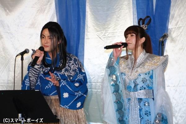 歌唱披露メドレーより、「半分こしよう」で見事なハーモニーを奏で出していた木村さんと上原さん