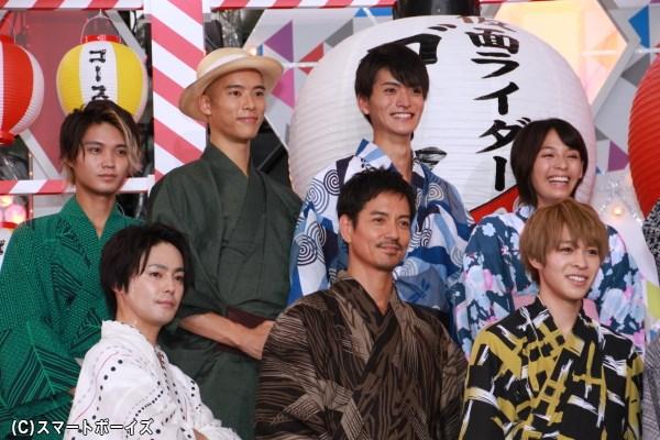 仮面ライダーゴーストのキャスト陣。本編で偉人役として出演した唐橋充さんや小松直樹さんも劇場版に登場!