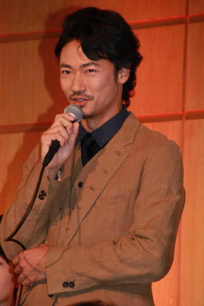 望月六郎役の青木健さん
