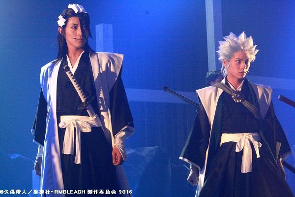 (左から)六番隊隊長・朽木白哉役の猪野広樹さん、十番隊隊長・日番谷冬獅郎役の永田崇人さん