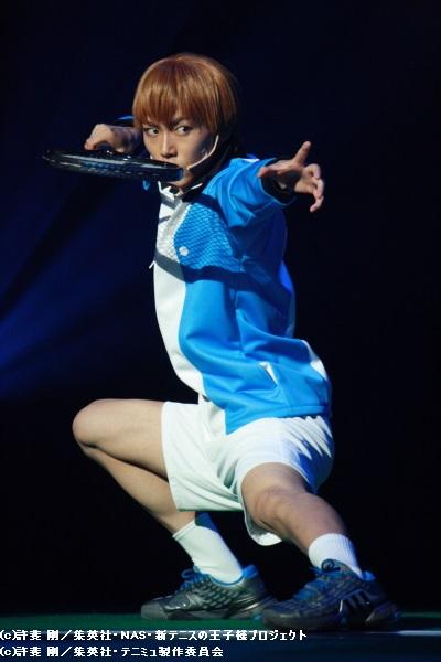 氷帝の次期部長候補・日吉(内海啓貴)も、独自の演武テニスで魅せる