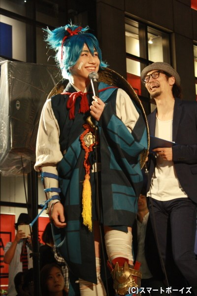 小夜左文字役の納谷健さん、後ろはイベントMCを務めた明智光秀役の窪寺昭さん