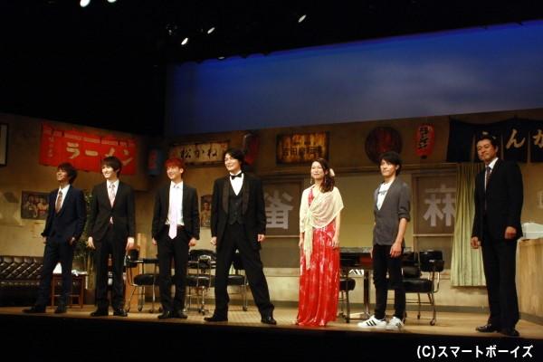 劇中では様々な衣装姿も披露、その全貌は劇場にて!