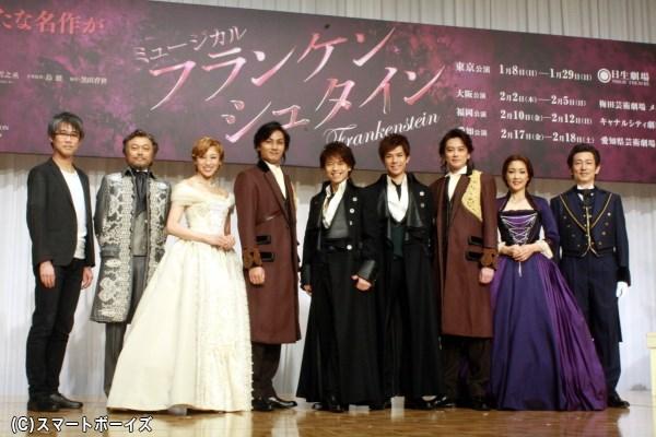 華麗な衣装姿で登場、主演の中川さん&柿澤さんによる歌唱披露も!