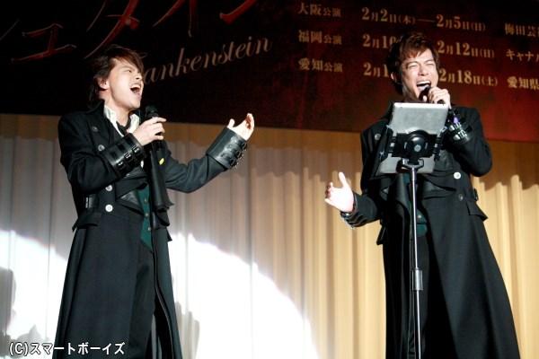 中川さんと柿澤さんが、本番では実現しない2人揃っての歌声を披露!
