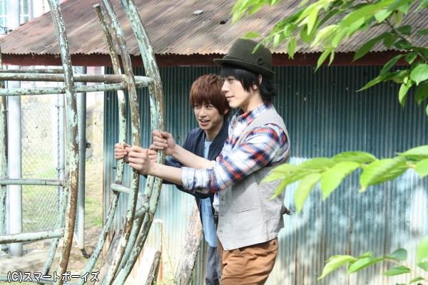 ジャングルジムが気になる、廣瀬さんと赤澤さん
