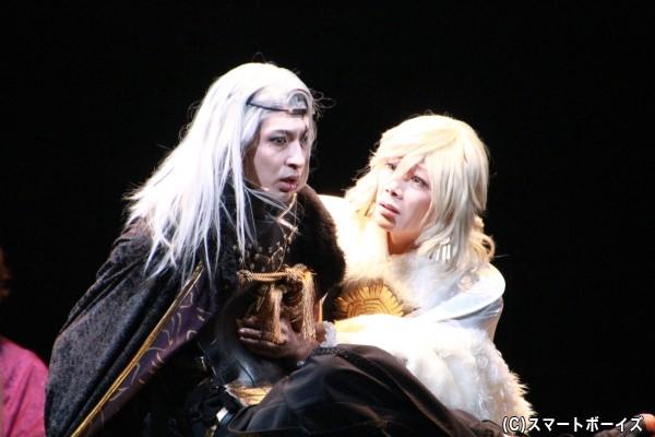 (左)井伊直弼役の吉岡佑さん、(右)徳川慶喜役のKimeruさん