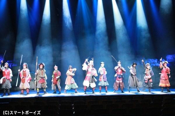 大坂夏の陣のシーンより、真田幸村と十勇士が揃い踏み