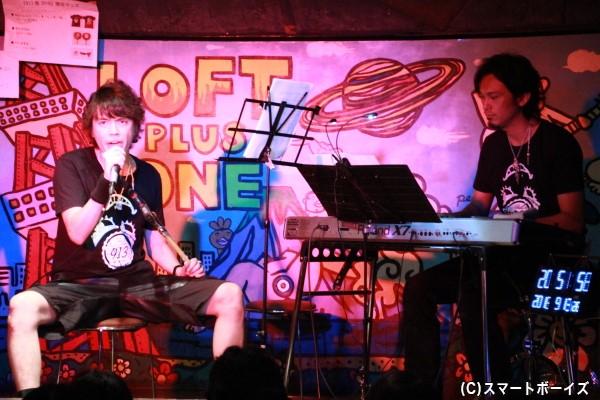 ゲストの佐藤和豊さんとのSPセッション。佐藤さんがファンの前で555の曲を演奏したのは初めてとのこと