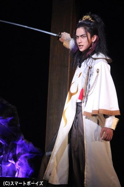 佐藤さんが演じる凌明の兄・羽生賢明役で川上将大さんも登場。