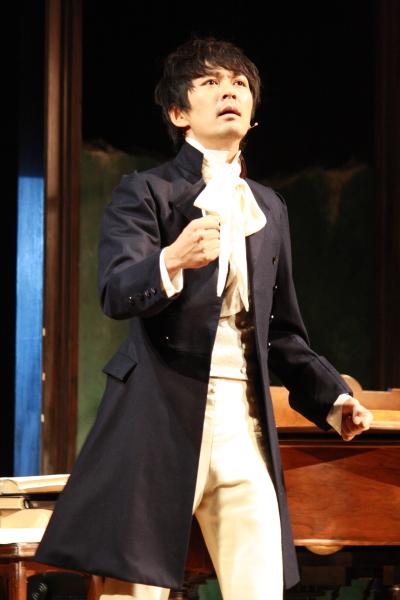 彼に振り回された弟子、ツェルニー役を演じる小林且弥さん