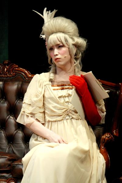 秘書のアントン・シンドラー役の鎌苅健太さんはこの美しい姿に!