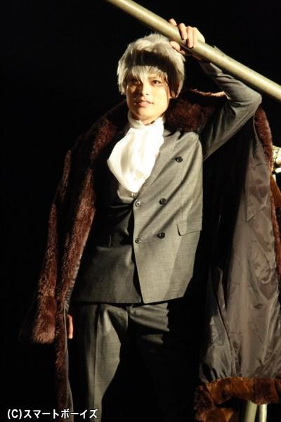 レオが訪れたバーで出会った気骨のある男、敬礼寺宗平役の伊阪達也さん