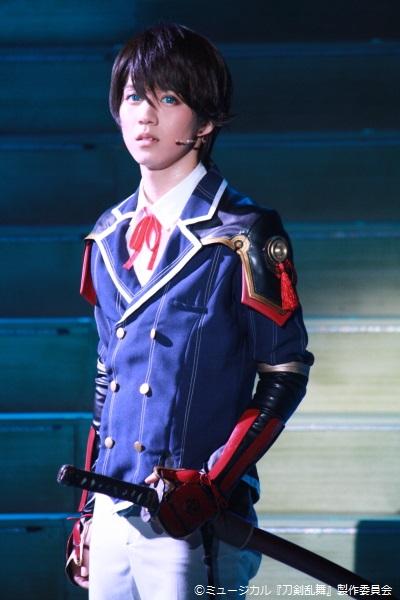 脇差として、和泉守兼定の相棒を務める堀川国広役の小越勇輝さん