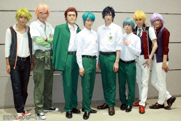 (左から)瀬戸祐介さん、小林 涼さん、中村祐志さん、谷 佳樹さん、輝馬さん、大平峻也さん、碕 理人さん、上田堪大さん
