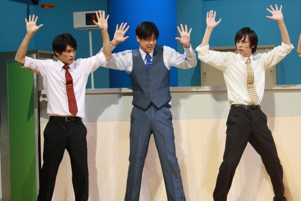 銀行員の3人(左から、原嶋元久さん、小沼将太さん、瀬戸啓太さん)