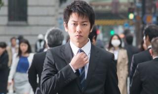 主人公の冷静分析系男子・拓人を演じる佐藤健さん。