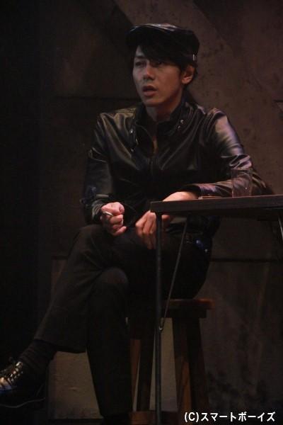 富田さん演じるハンチング帽姿は、ミラステでは初!