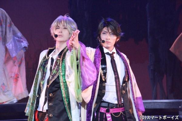 (右)睦月始役の校條拳太朗さん (左)弥生春役の仲田博喜さん