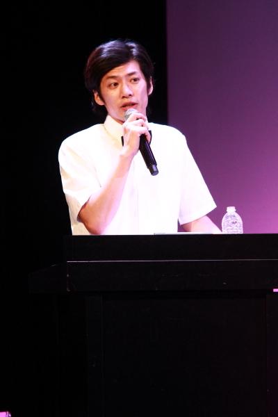 熱く対決を盛り上げた、MC&レフェリー役の岸本卓也さん