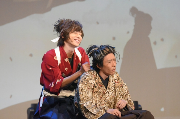 宮本武蔵役の染谷俊之さんとヨボヨボ爺さん(?)の佐々木小次郎役を演じた鈴木拡樹さん