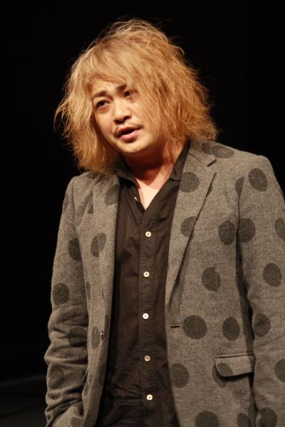 法曹界のフィクサーと噂される、傍聴マニア・木暮透役の宮下雄也さん