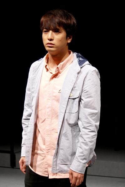 初めは軽い気持ちで法廷に来ていた主人公・北尾友弘役の中村優一さん