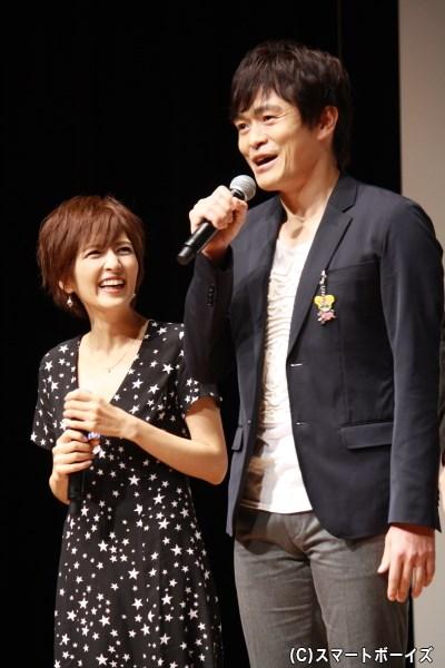 (左から)沢神りんな役の吉井怜さん、迫田現八郎役の井俣太良さん
