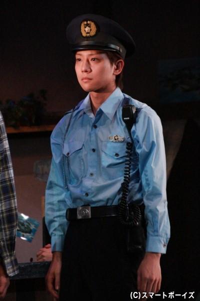 カフェ「パラダイス」がある街に赴任してきた新人警察官