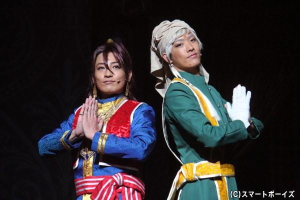 ソーマ・アスマン・カダール役の陳内将さん(左)とアグニ役のTAKUYAさん(CROSS GENE・右)