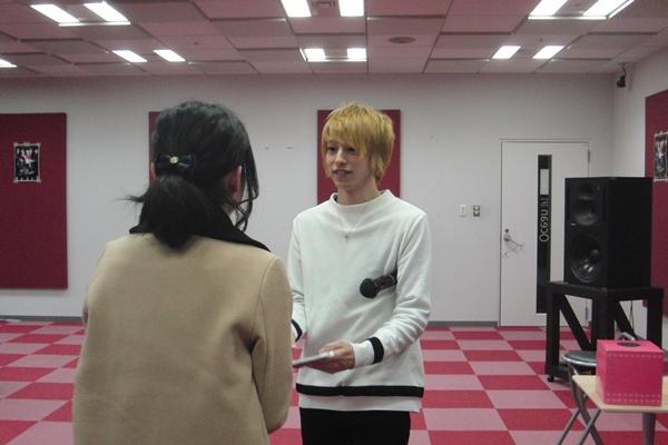 握手会ではファンとの楽しい交流の過ごした杉江さん