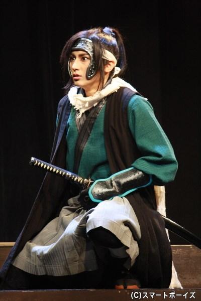 貧しい農民だった小平役の佐藤永典さん