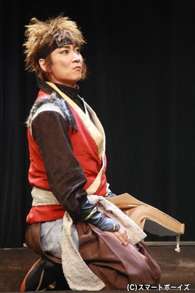 得意のホラと巧みな口先で、手柄を狙う秀吉役の町田慎吾さん