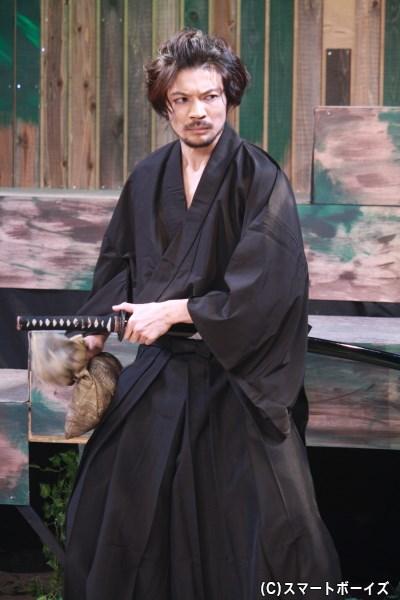 今作の殺陣指導も務める、湛山(たんざん)役の六本木康弘さん