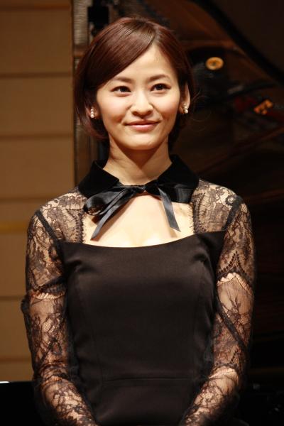 女優随一のアクションスキルで、剣士の少女リィを演じる佃井皆美さん