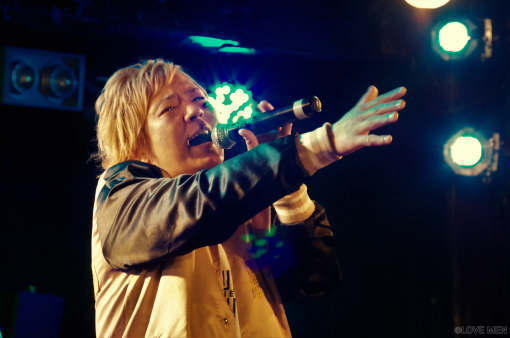 ソロシンガーとして歌声を届けた松田純之介さん