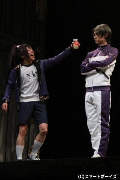 内番衣装も今作の見どころ。和田さんはジャージ、椎名さんは体操着で登場!