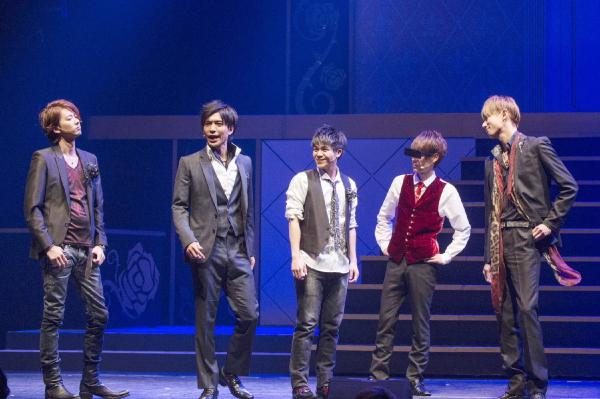 左から塩川渉さん、鶏冠井孝介さん、町田宏器さん、甘王さん、五十嵐麻朝さん