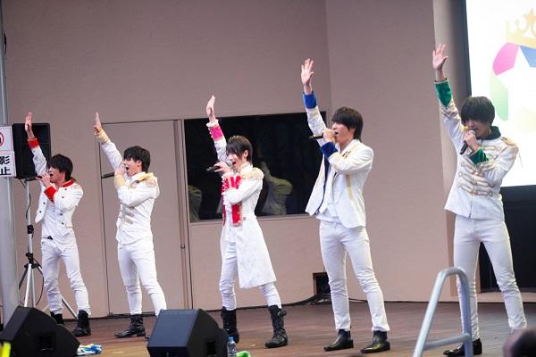 左から 平野泰新さん、大城光さん、西岡健吾さん、永田薫さん、阿部周平さん