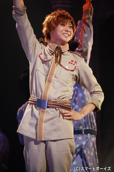 舞台初登場キャラクターのスペインを演じる山田ジェームス武さん