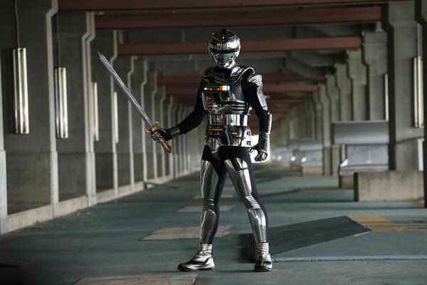 コンバットスーツに身を包んだ宇宙刑事ギャバン