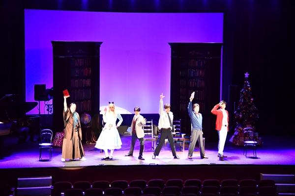 公演初日の12月24日はクリスマス☆スペシャル公演が行われました