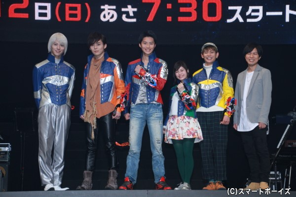 (左より)山崎大輝さん、岸洋佑さん、岐洲匠さん、大久保桜子さん、榊原徹士さん、神谷浩史さん