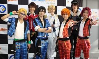 (写前列左より) 松村泰一郎さん、山本一慶さん、小澤廉さん、谷水力さん (後列左から)佐伯亮さん、前山剛久さん、小南光司さん