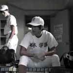第2話シーンカットより(左から)遊馬晃祐さん、山本一慶さん