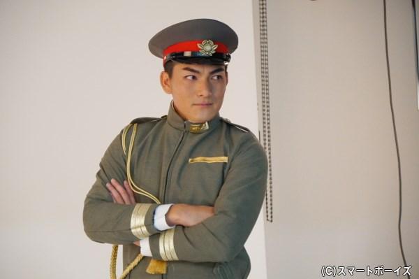 坊主頭に制帽! 軍服の清廉さが光る脇崎さん