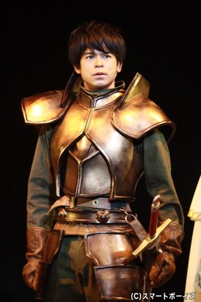 聖騎士を目指す青年・パーン役で主演を務める菅谷哲也さん