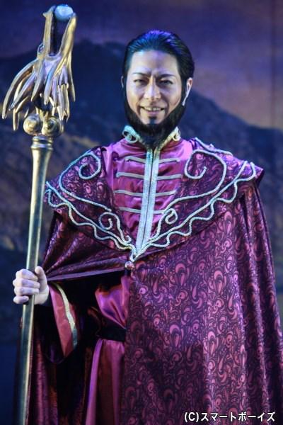 皇帝ベルドに仕える、バグナード役の成松慶彦さん