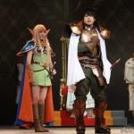 多田愛佳さん演じるエルフの娘、ディードリット(左)も旅の仲間に